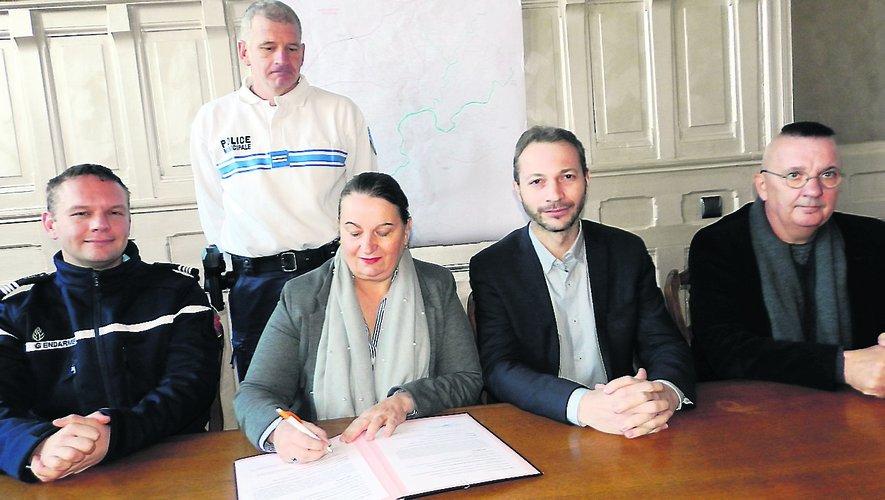 Le protocole « Participation citoyenne » pour le quartier de Penevayre a été officiellement signé mardi en mairie.