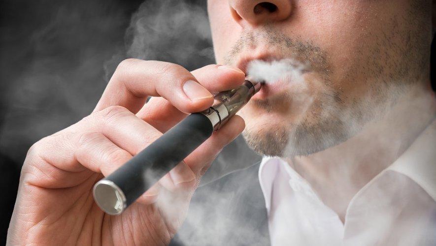 E-cigarette : de graves lésions pulmonaires chez un jeune de 17 ans