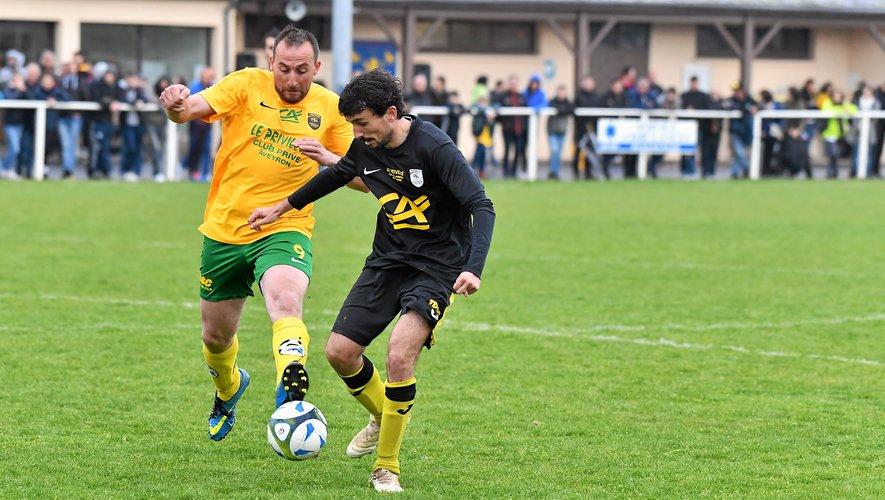 Battu en demi-finale l'an dernier, Villecomtal (en noir) accueillera l'équipe B du FC Sources de l'Aveyron.