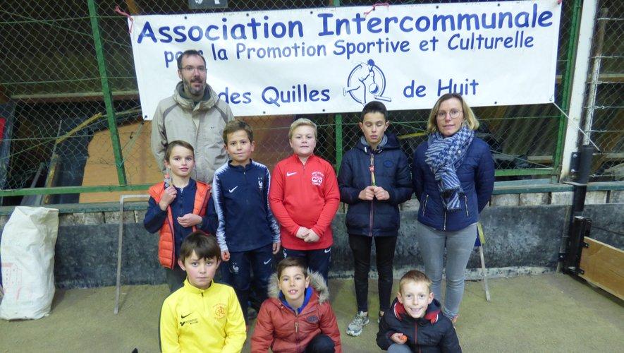 Quelques élèves quilleurs de l'école de Campuac ayant participé au Noël sportif et caritatif.