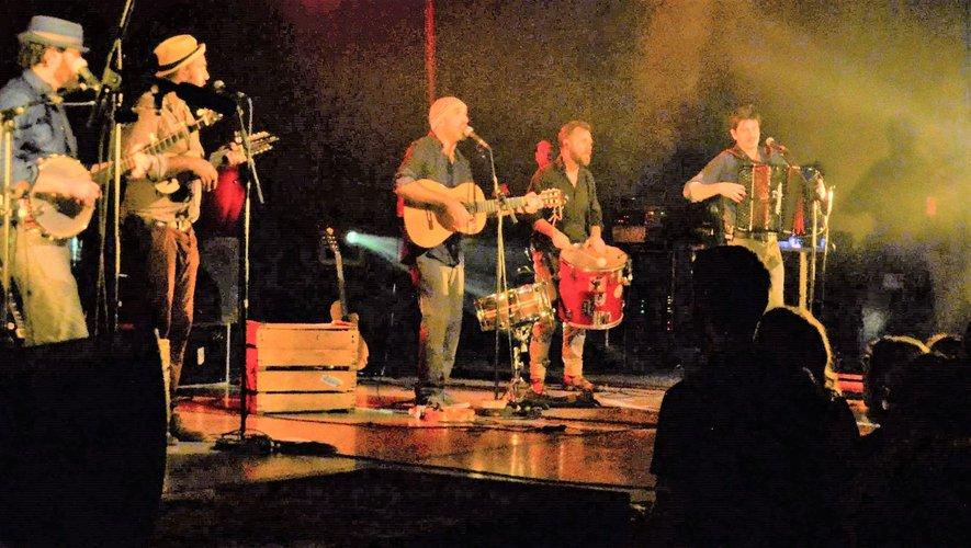 Les musiciens ont su donnerdes moments de folieaux nombreux invités.