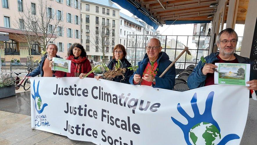 """""""12 ensemble pour le climat"""" ne veut pas du Parc des expos"""