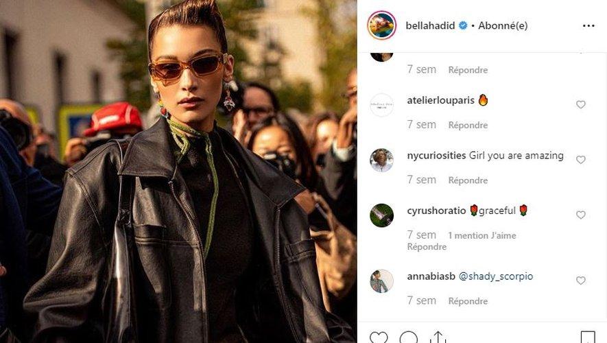Bella Hadid a adopté le blouson en cuir, version oversize, cet automne.