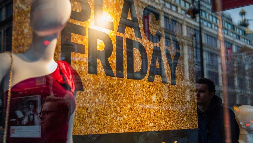 """Selon un récent sondage YouGov, 79% des Français sont d'accord pour affirmer que """"le Black Friday incite à la consommation""""."""