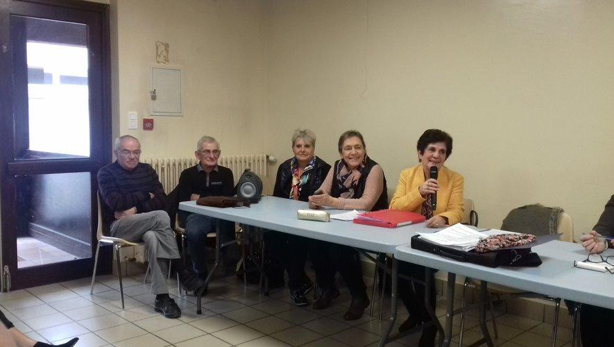 Les membres du bureau se sont réunis en assemblée générale extraordinaire.