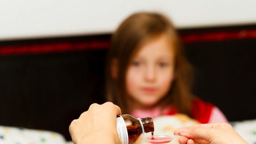 Maux de gorge : certains médicaments augmentent le risque allergique