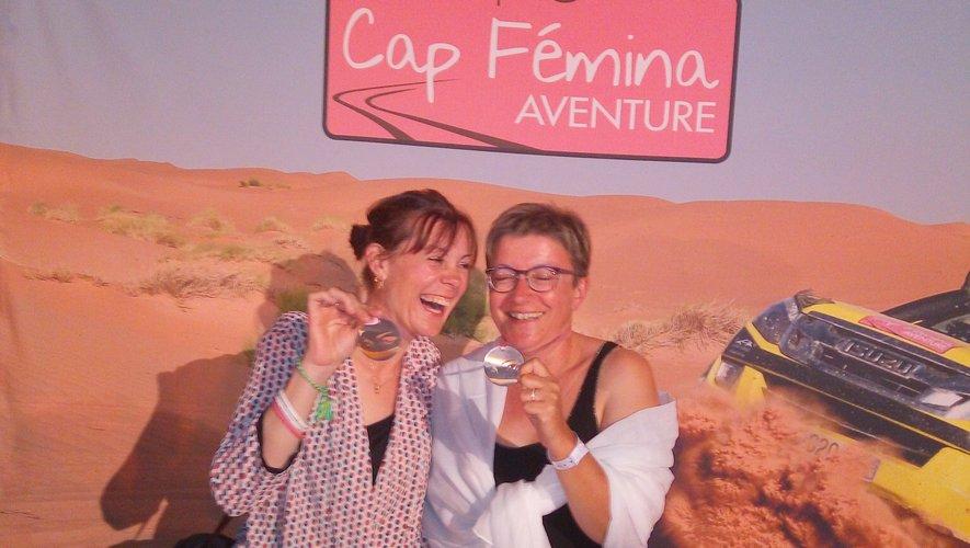 Magalie et Frédérique fières d'avoir parcouru 6 600 km dans le désert marocain.