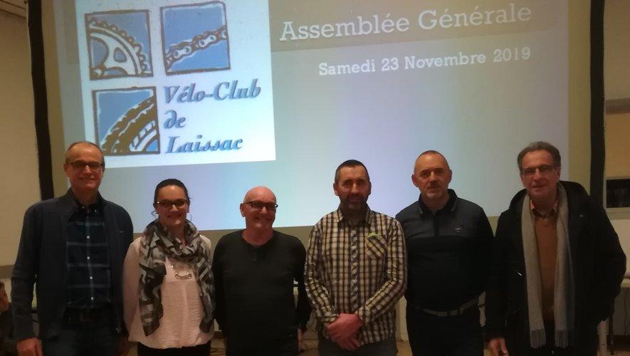 Les membres du bureau accompagnés de Jean-Paul Peyrac, président de l'inter-communauté « des Causses à l'Aubrac ».