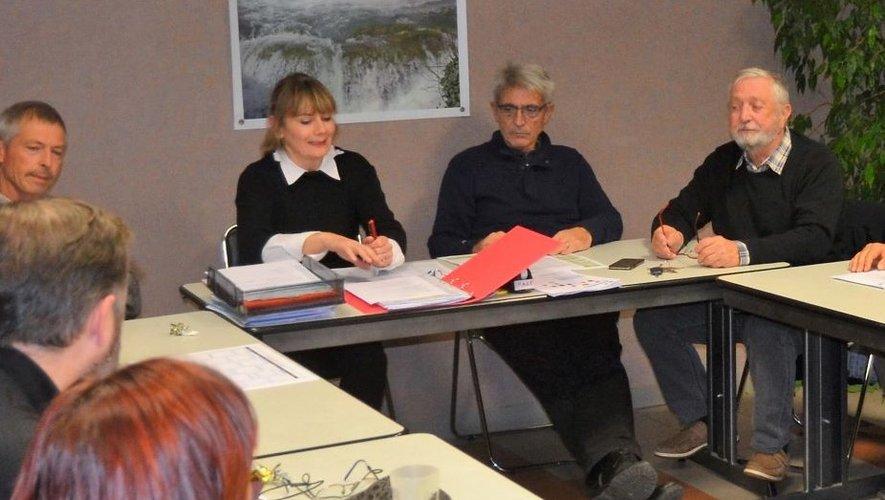 Ce sont les élus qui ont animé la réunion des associations après le mot d'accueil du maire.