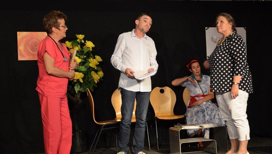Le groupe de théâtre de Marmiers.