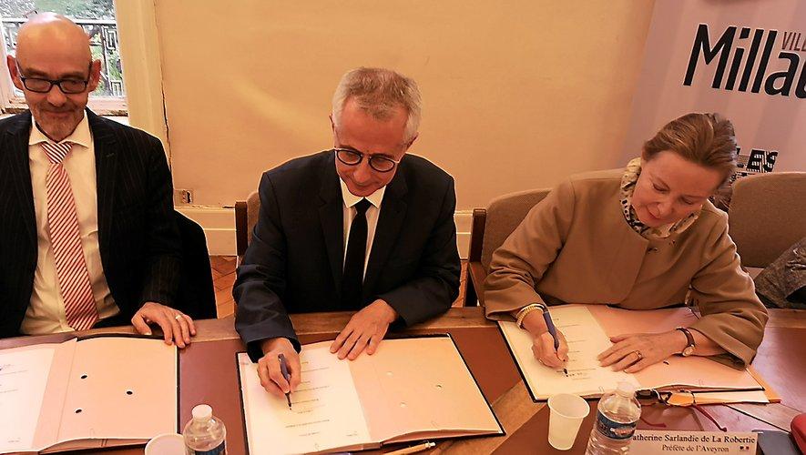 La PJJ, la municipalité et l'Etat ont notamment signé la convention.