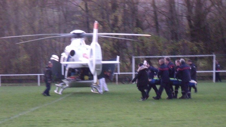 L'hélicoptère a évacué  un footballeur gravement blessé