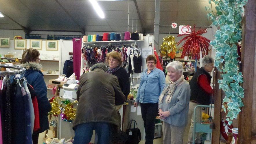 Les bénévoles de l'association ont accueilli un nombreux public samedi.