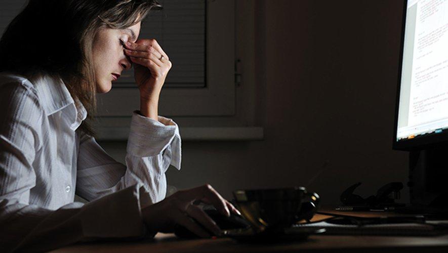 """Plus d'un quart des sondés (27%) estiment qu'ils souffrent """"souvent"""" de troubles visuels liés à la fatigue oculaire."""