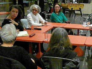 Une discussion publique entre débat et spectacle sur les femmes