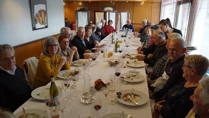 Les classards se sont retrouvés autour d'une bonne table