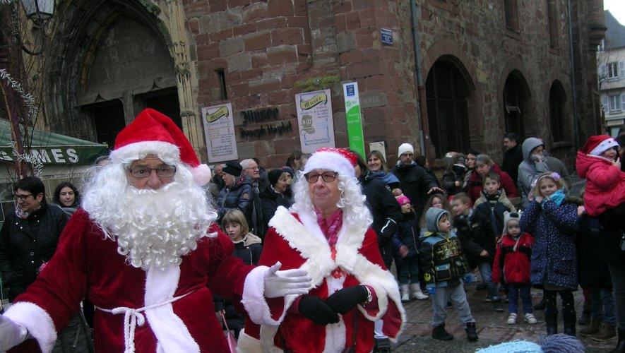 La venue du Père Noël est un moment fort de ces festivités.