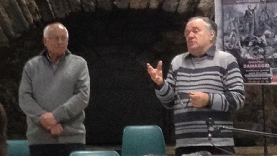 Jean Louis Couderc et Jean-Paul Dammagio pour se remémorer l'histoire du pays.