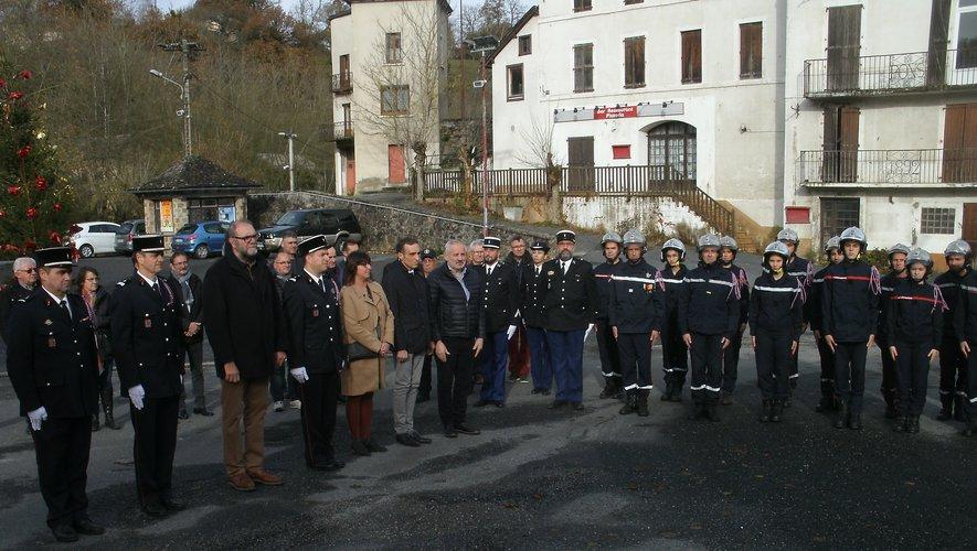 Une gerbe a été déposée devant le centre à la mémoire des pompiers cassagnols disparus.