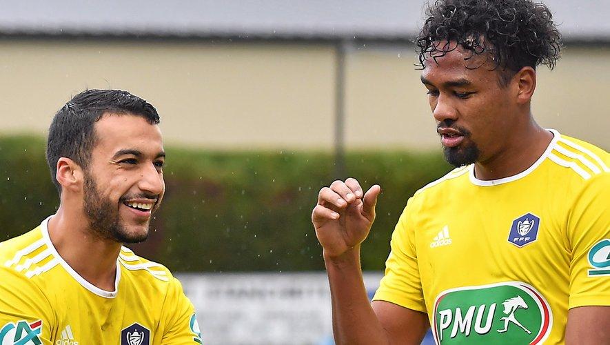 Les Ruthénois Ayoub Ouhafsa (à gauche) et Dorian Caddy avaient chacun inscrit un doublé au tour précédent, à Auch, où ils s'étaient imposés (5-0).