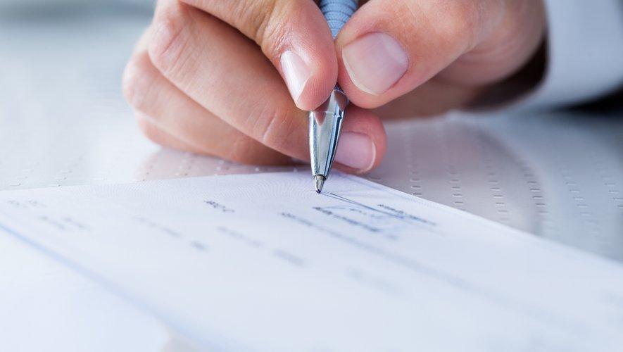 Il n'est pas interdit d'établir un chèque à l'ordre de deux personnes distinctes, selon la Cour de cassation.