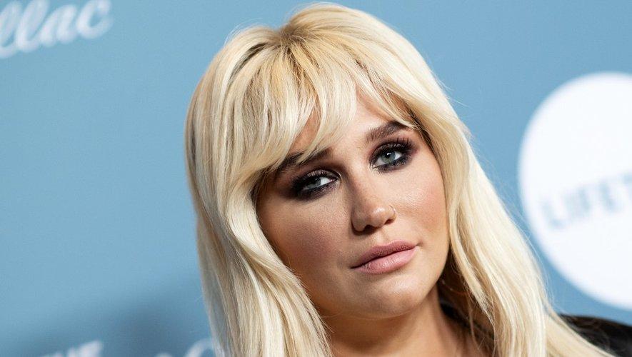 Kesha lance sa ligne de cosmétiques Kesha Rose Beauty