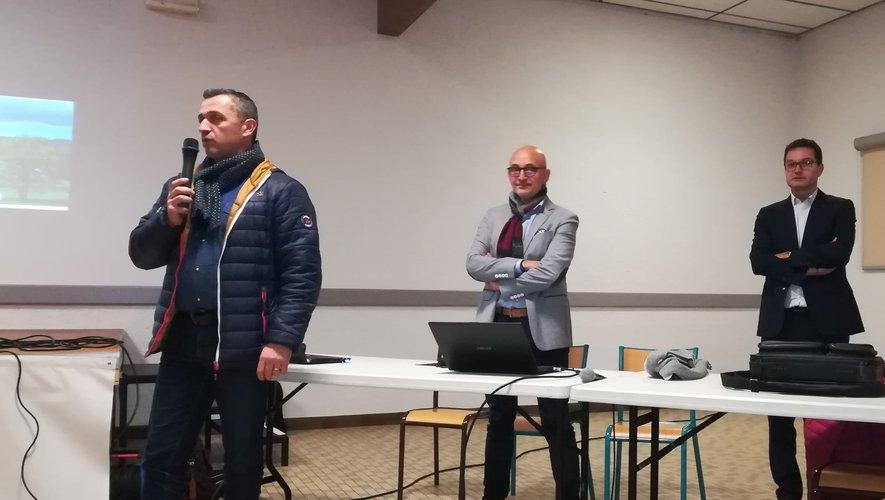 David Minerva, maire de Laissac – Sévérac-l'Église, introduisait la réunion d'information.