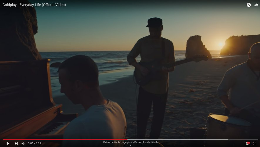 """Coldplay dans son clip """"Everyday Life""""."""