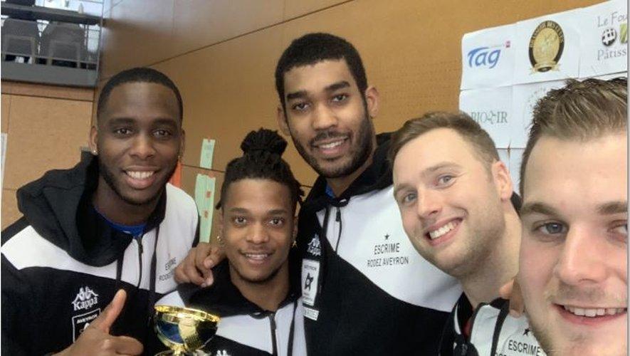 Les quatre épéistes de l'équipe fanion de l'ERA Aymerick Gally, Mathias Biabiany, Jonathan Bonnaire, Alexandre Bardenet, et Robin Rieu (staff).