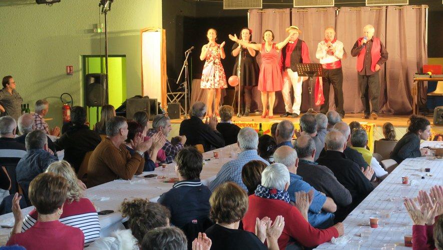 L'après-midi a été animé par la troupe « L'amour est dans le chant ».