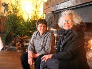 Catherine Painvin, à droite, ici avec Marie-Claude David, sa voisine de la Dômerie à qui elle réalisait sa décoration de Noël.