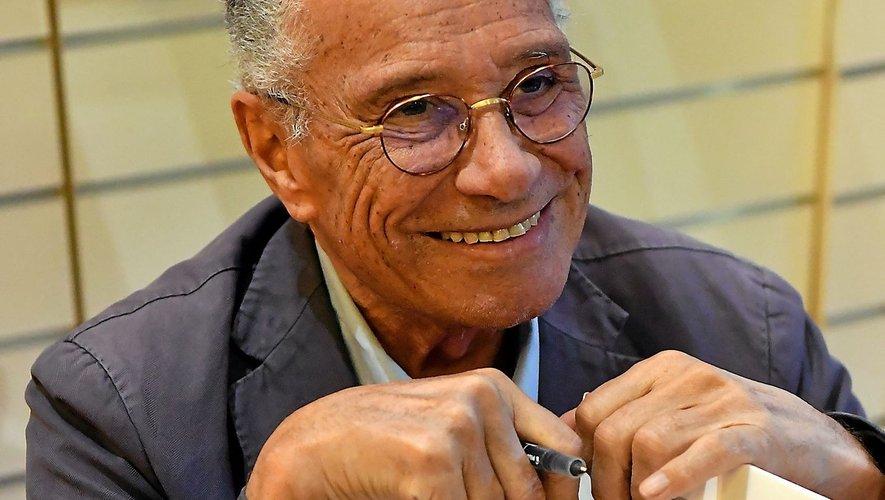 Souriant et détendu, Jean-Marie Périer a dédicacé son tout dernier ouvrage à La maison du livre à Rodez.