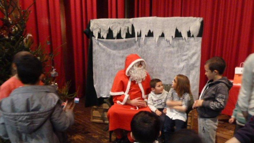 Dimanche 15 décembre, le père Noël fera son apparition vers 16 heures.