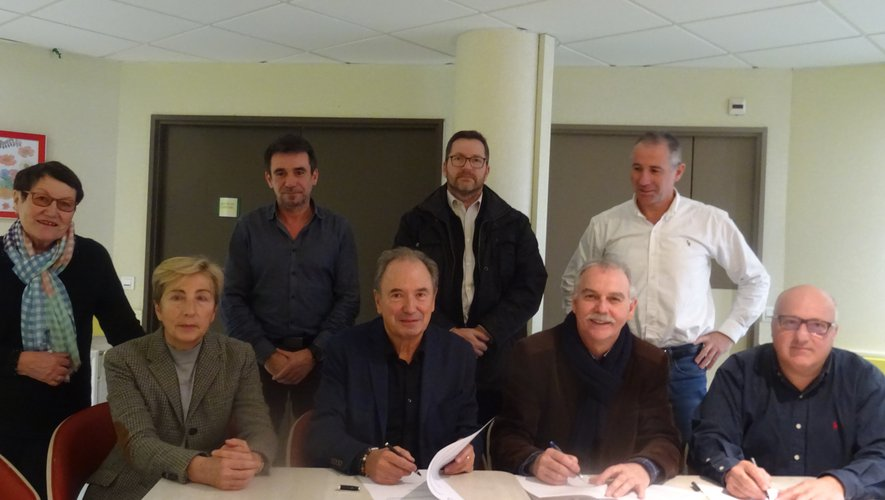 Signature de la convention à la résidence Sainte-Thérèse.
