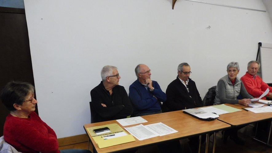 Les membres du bureau autour d'Emmanuel Barrosoet de Bernard Scheuer.