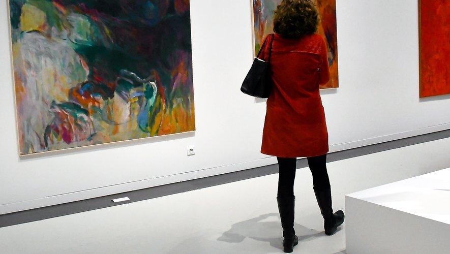 L'expos dévoile les œuvres de 43 artistes femmes.