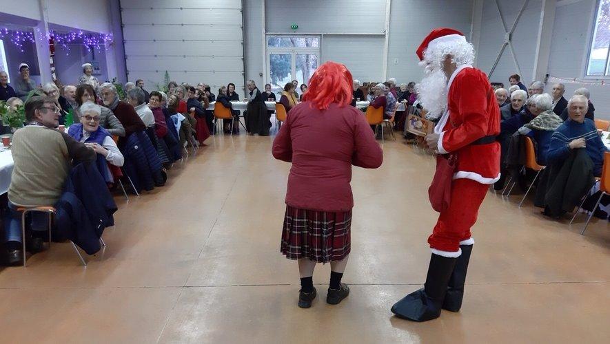 Le père Noël fut très ovationné.