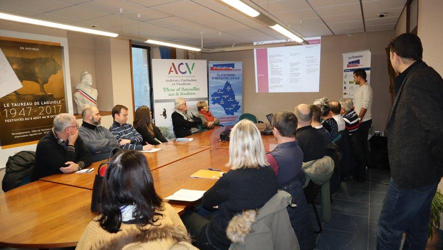 La communauté de communes et Initiative Aveyron ont rencontré les entrepreneurs à la mairie.