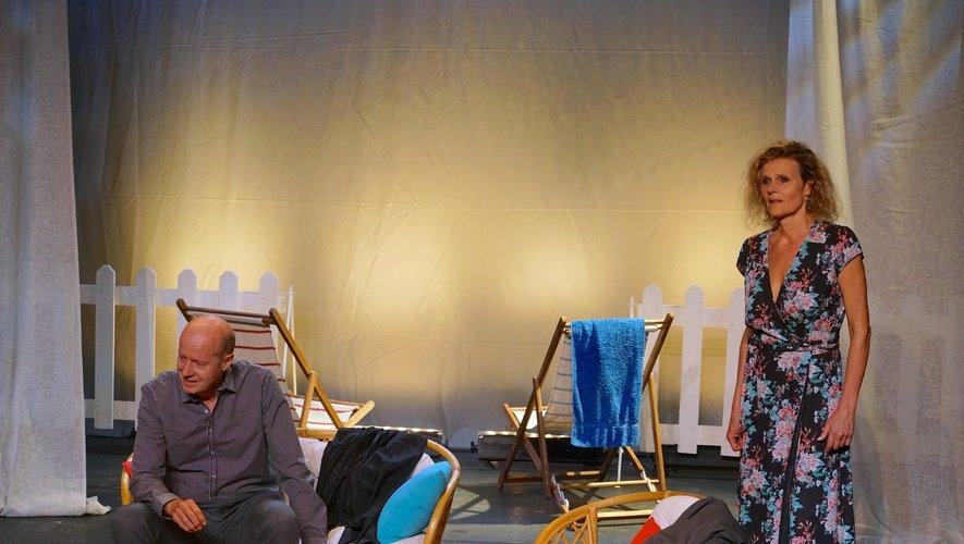 « Une simple baignade »avec les comédiens Hugues Leforestier et Nathalie Mann.