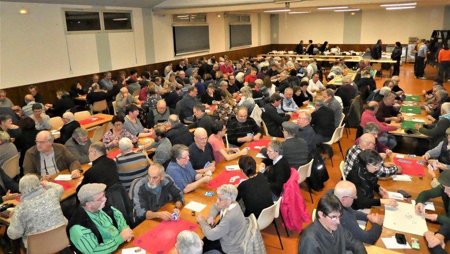 Forte participation aux concours de belote à Balsac.