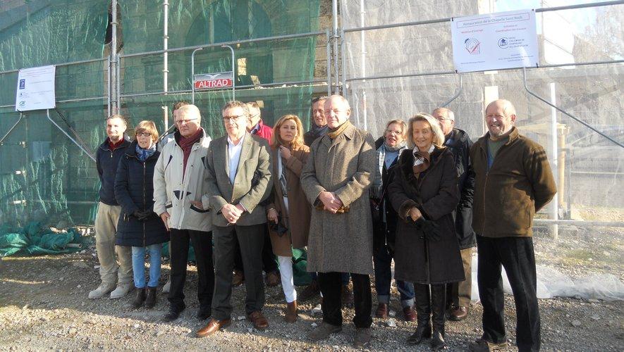Élus locaux et sociétaires de C3V  lors des premiers travaux à la chapelle Saint-Roch.