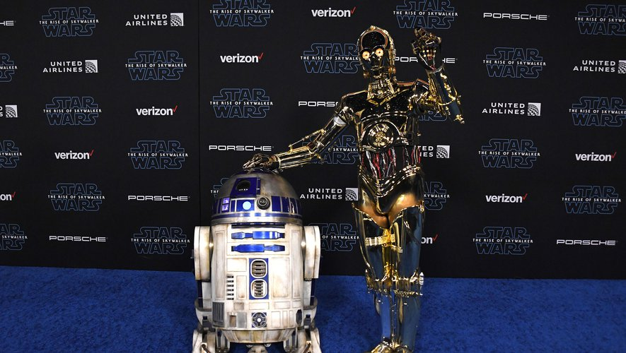 "R2-D2 et C-3PO à l'avant-première de ""Star Wars: L'Ascension de Skywalker"" à Los Angeles"