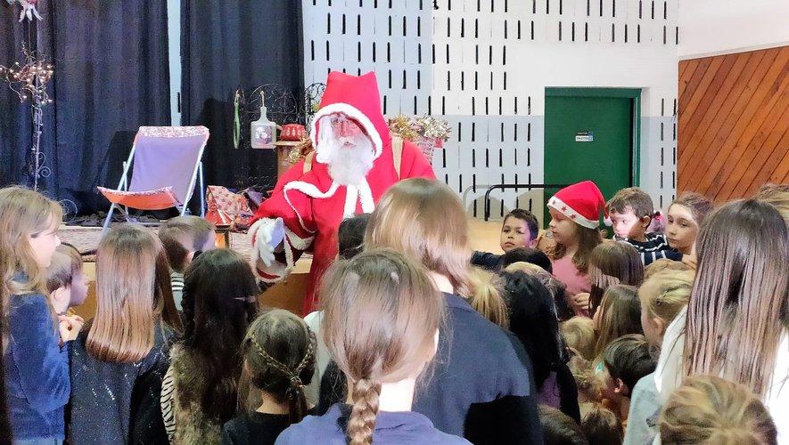 Le Père Noël a fait rêver les plus petits.