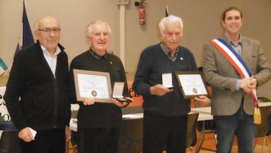 Les médaillés et diplômés à l'honneur.