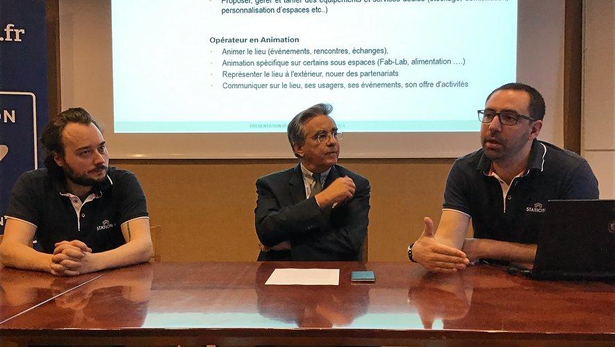 Hugues Tournier, architecte et membre de Station A, Jean-François Galliard, président du Département et Alan Hay, coprésident de Station A.