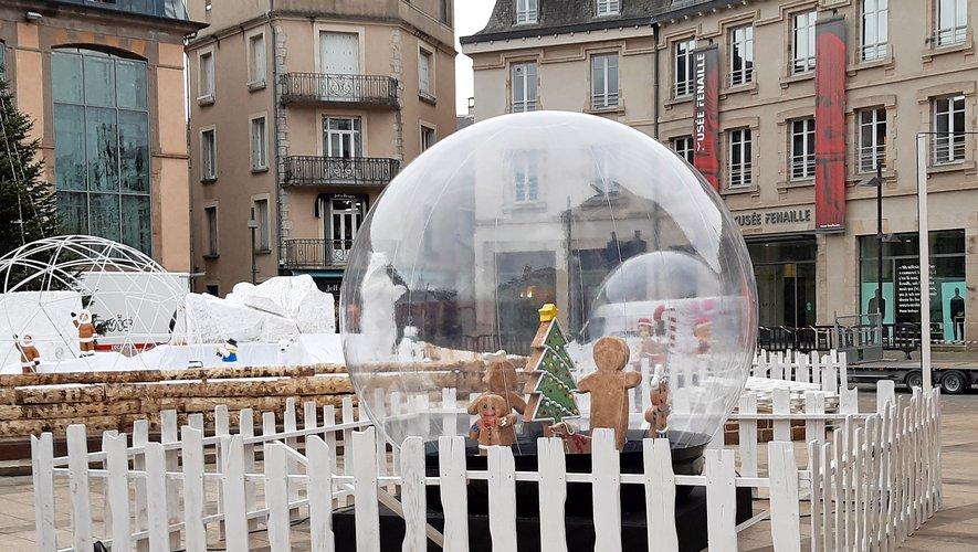 La place de la mairie a un nouveau visage pour les fêtes.