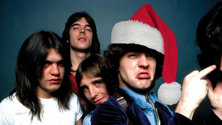 À l'image d'AC/DC, bien des groupes de rock ont mis la main à pâte pour reprendre ou composer des chansons de Noël. Certes pas toujours très catholiques...