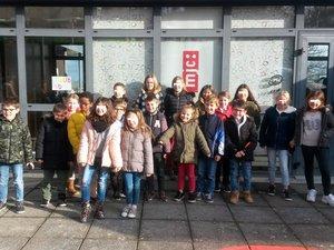 Les élèves se sont rendus à la MJC  de Rodez pour participer au spectacle « Canto in fabula » .