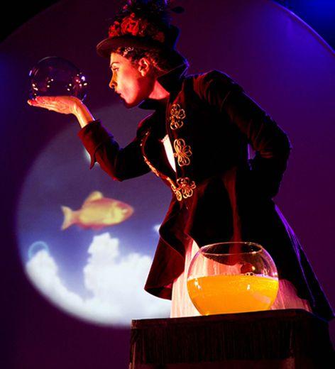 « La dompteuse de bulles », un spectacle familial offert par la commune d'Argences-en-Aubrac pour Noël.