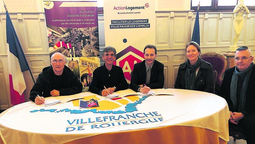 À gauche, Serge Lopes-Serres, de la CRAL, et Serge Roques, maire et président d'Ouest Aveyron./Photo MCB